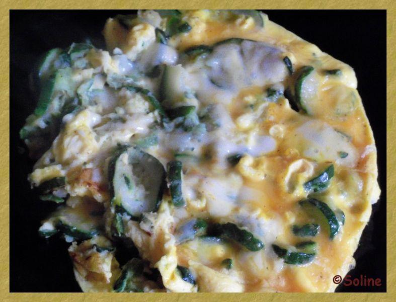 Omelette courgette-morbier dans 03.5 Oeufs 1005324soline